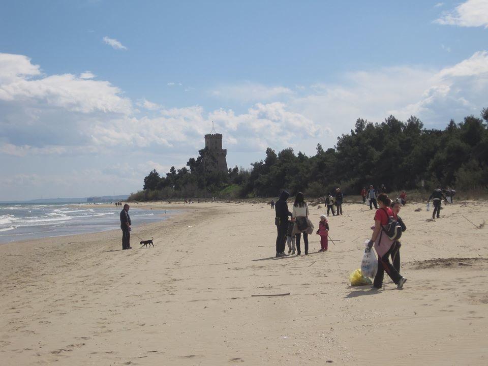 Pulizia spiaggia cerrano